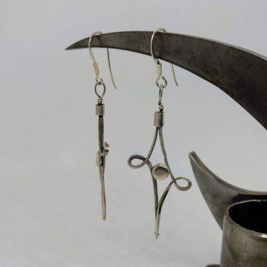 pendientes de alambre de plata forjado