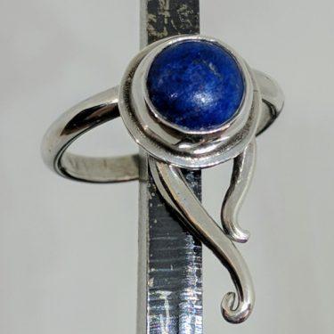 anillo de lapis lazuli
